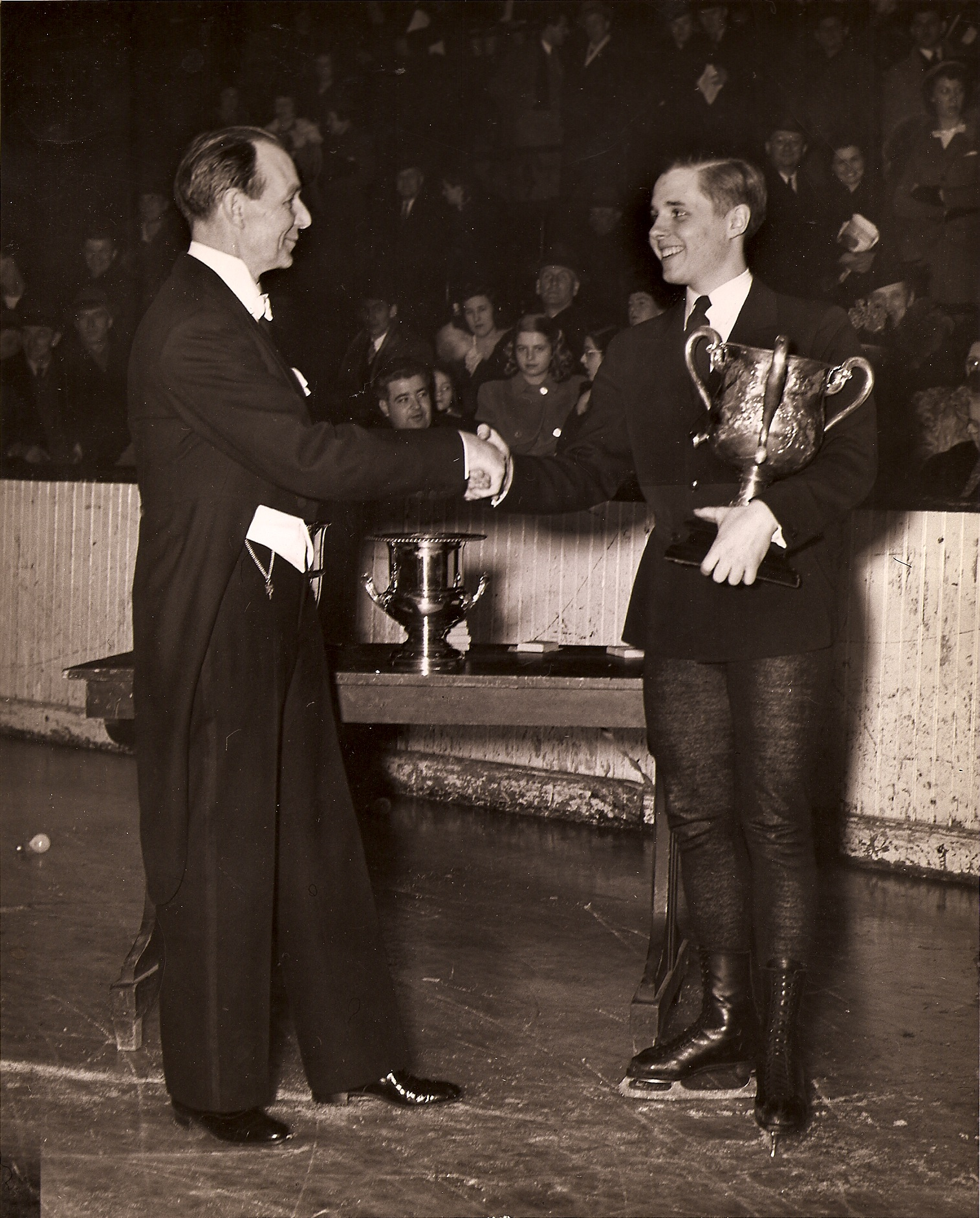 1943 US junior men's champion Eddie LeMaire was an accomplished singles and pairs skater, and one of the sport's most distinguished judges. He died aboard Sabena Flight 548 to Belgium.