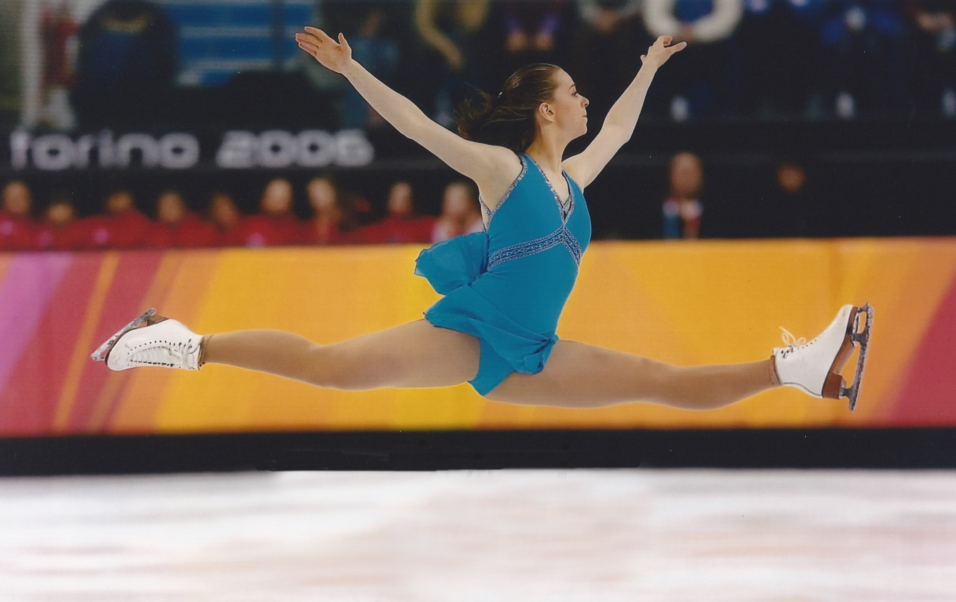 2007 national silver medalist Emily Hughes represented the US at the 2006 Olympics.