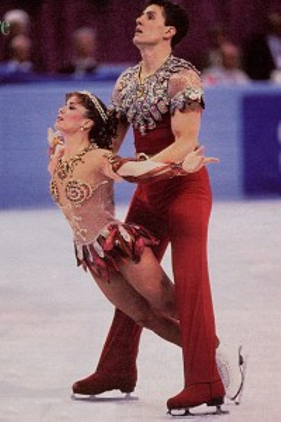 Known as the Waitress and Truck Driver for the jobs they held to pay for skating, Calla Urbanski and Rocky Marval won Skate America in 1991 and the US pairs title in 1992 and 1993. They placed tenth at the 1992 Olympics and won bronze at the 1998 World Professional Championships.